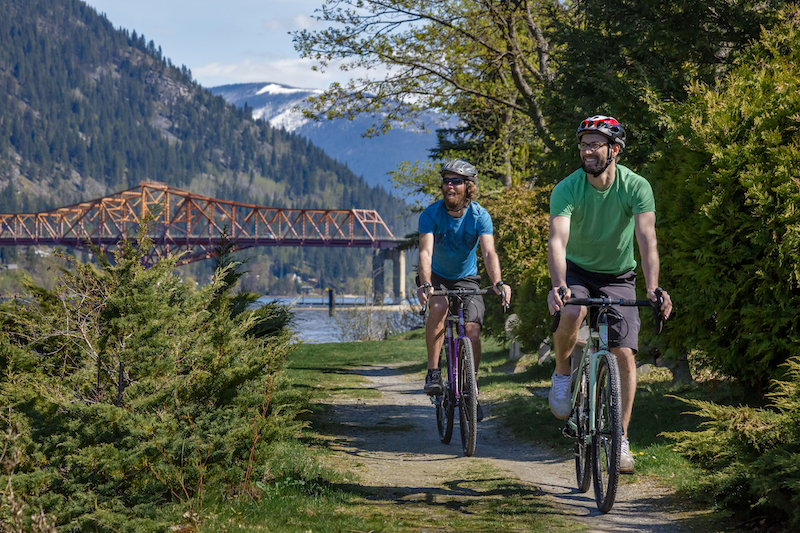 Cycle the Kootenays with the Surly Straggler