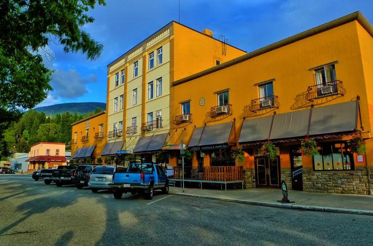 Adventure Hotel Nelson BC