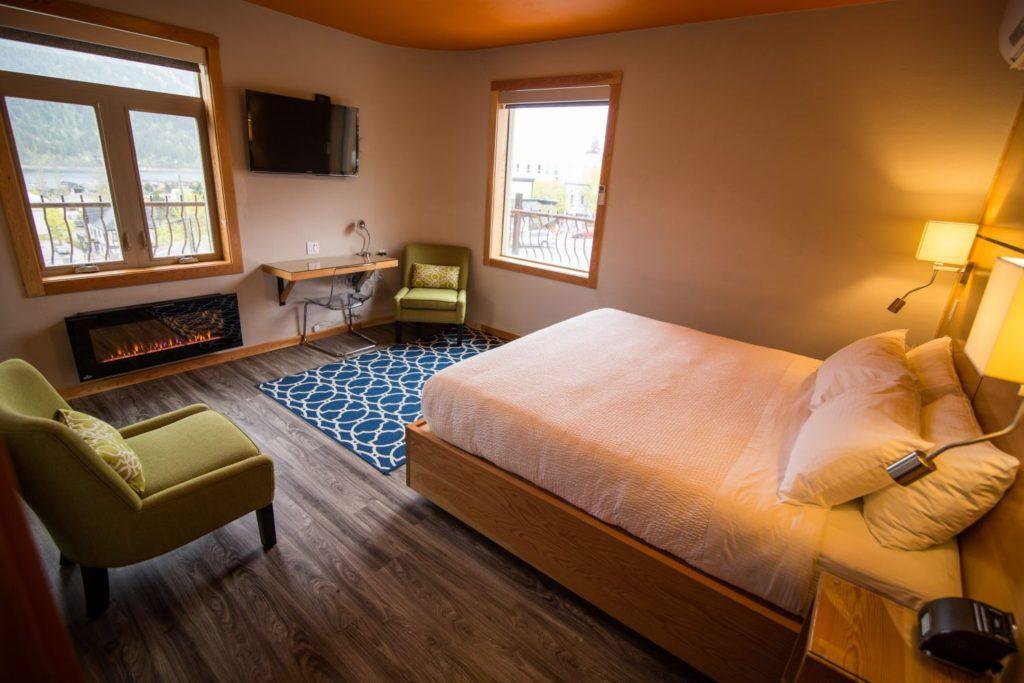 Adventure Hotel deluxe room